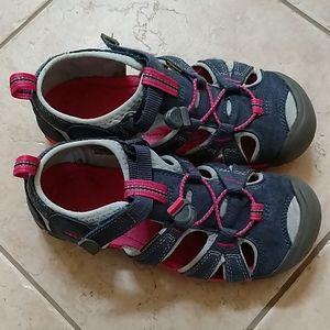 Girl's Keen sandals